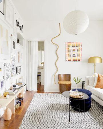 salas de estar pequeñas repisas en muros