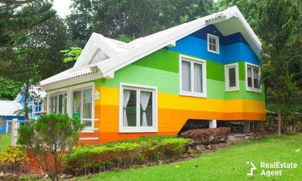 exteriores de casas pintadas diferentes colores