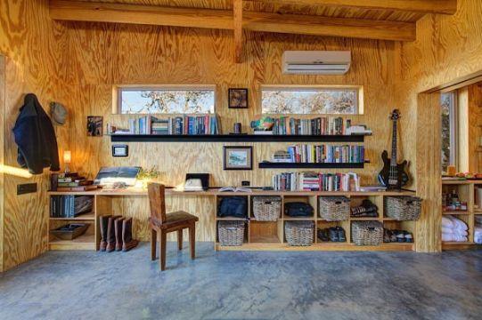 interiores de cabañas pequeñas organizacion en muros