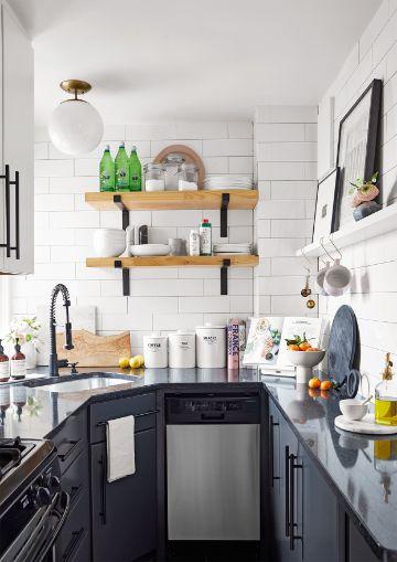 decorar la cocina pequeña con repisas