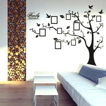 como decorar una pared con fotos con murales
