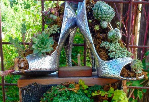maceteros con material reciclado con zapatos