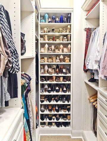 como organizar un closet pequeño con muchas repisas