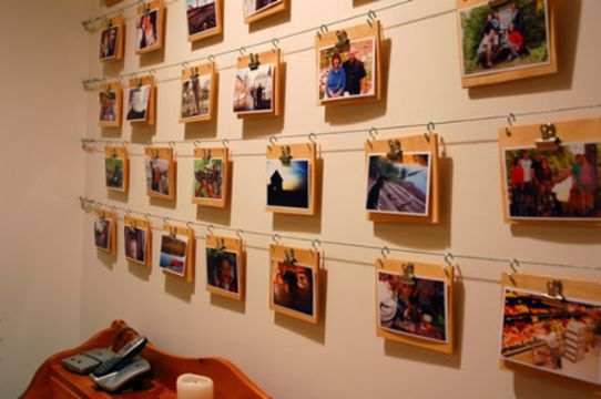 decorar pared con fotos con lazos
