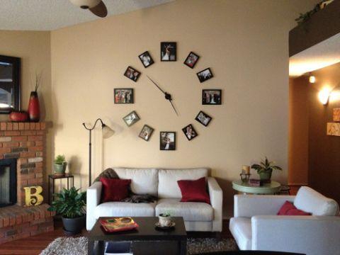 decorar pared con fotos para formar un reloj