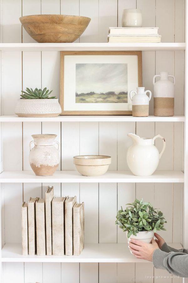 adornos para decorar estantes ideas vintage