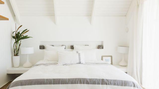 decoraciones para paredes blancas recamaras