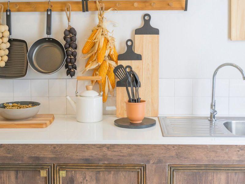 cocinas rusticas pequeñas utensilios y adornos