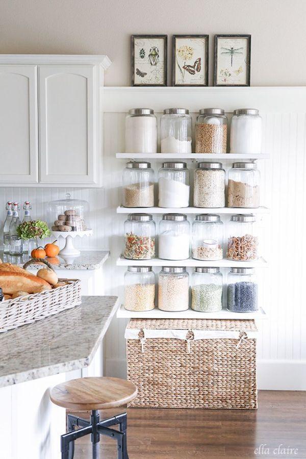 como ordenar mi cocina con repisas