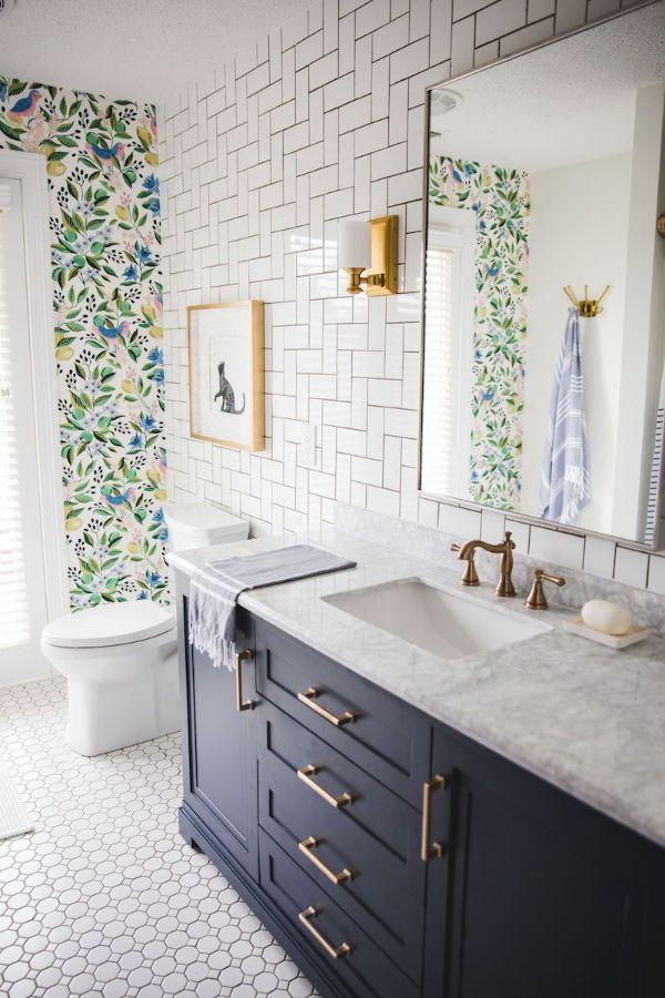 diseños de baños sencillos decoracion en muros
