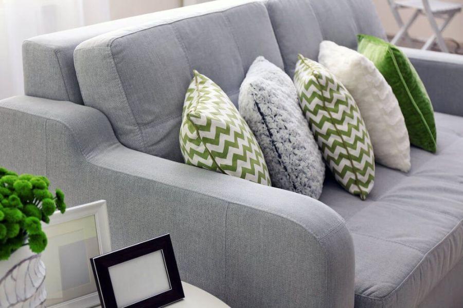 cojines para sofa gris oscuro rayas