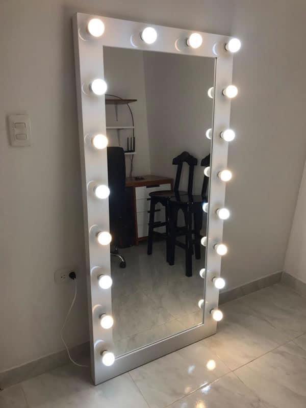 cuartos para mujer joven espejos luminosos