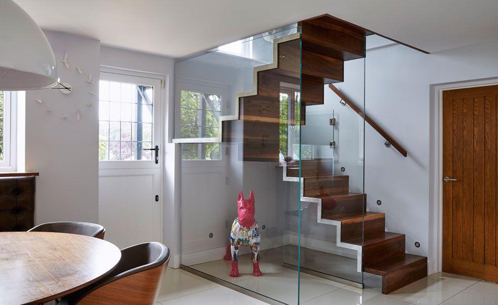 tipos de escaleras para casas paredes de cristal