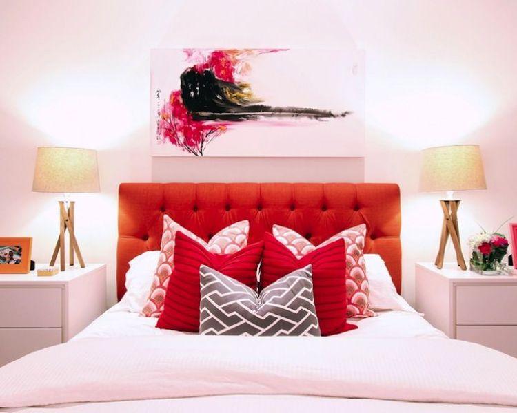 dormitorios con paredes rojas utilizado sutilmente