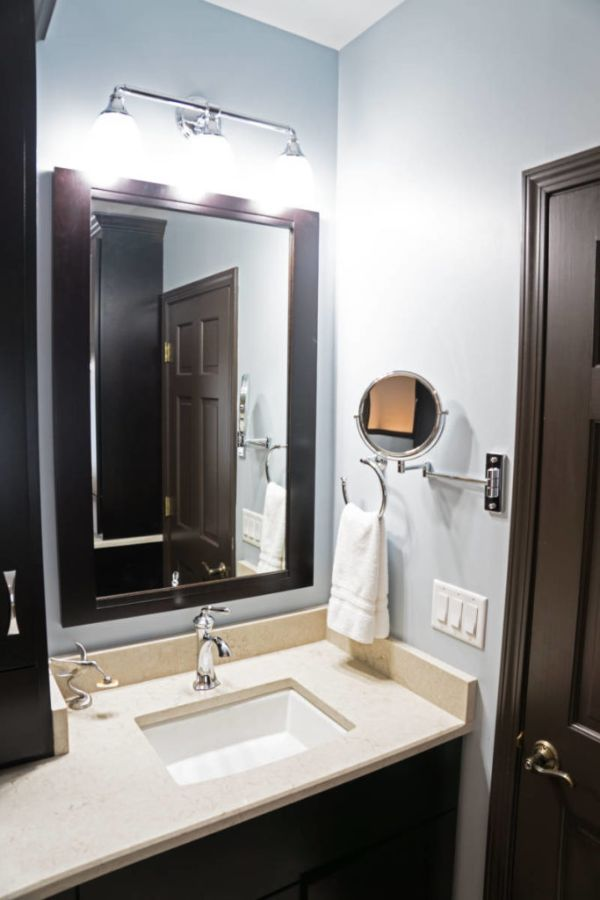 iluminación baños pequeños lamparas en espejos