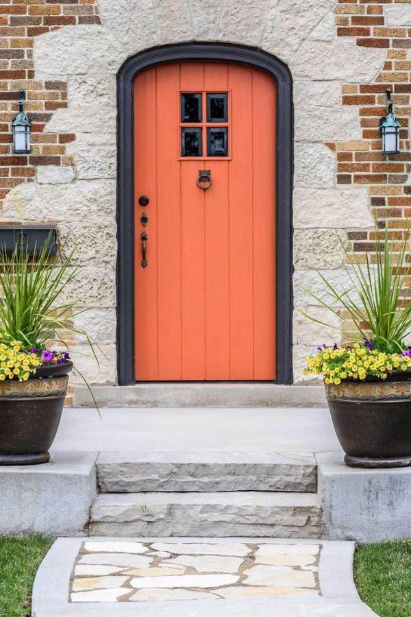 decoracion de la entrada de la casa con texturas